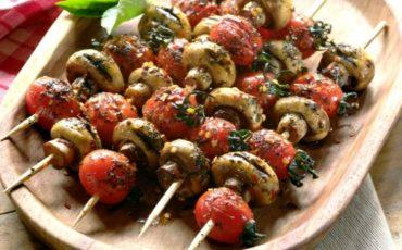 Συνταγή για νηστίσιμα σουβλάκια από μανιτάρια