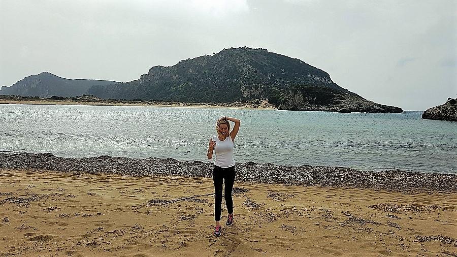 Η Μαρκέλλα Σαράιχα ταξιδεύει στη Μεσσηνία κι επισκέφθηκε την φημισμένη παραλία της Βοιδοκοιλιάς