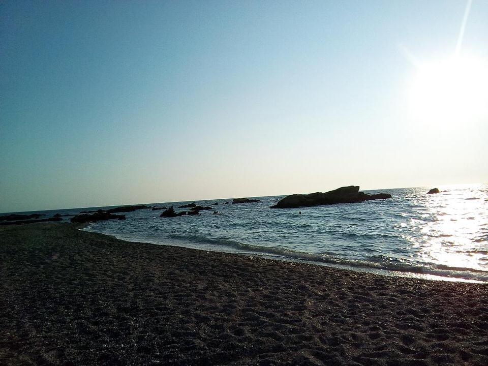 Αρτολίθια: Η Λαμπρινή Βαρίτη μας ξεναγεί σε μία μυστική παραλία της Πρέβεζας!