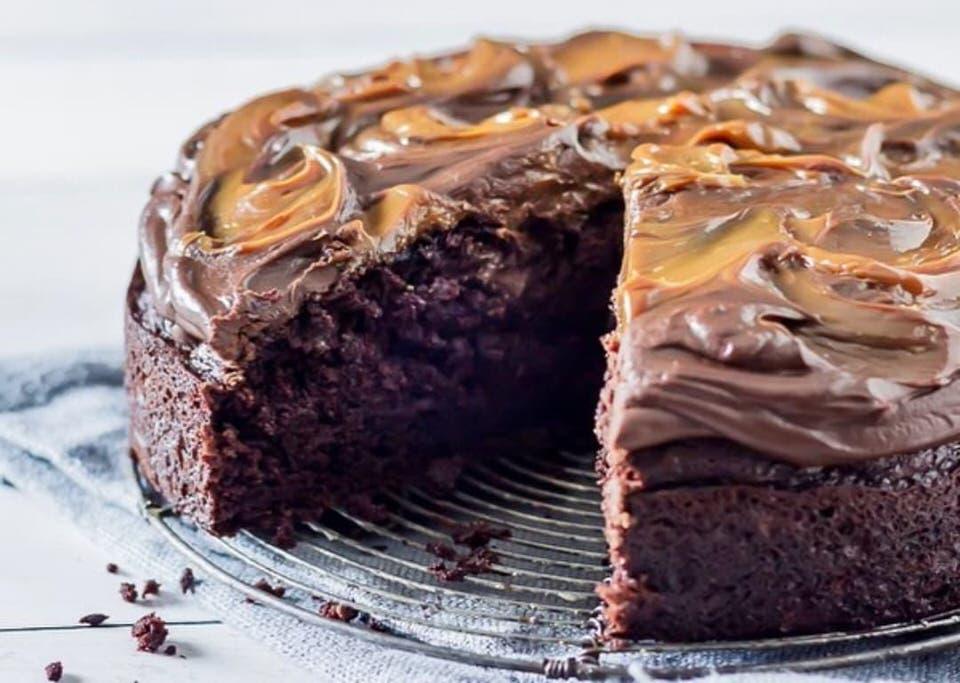 Συνταγή για νηστίσιμο σοκολατένιο κέικ με πορτοκάλι!