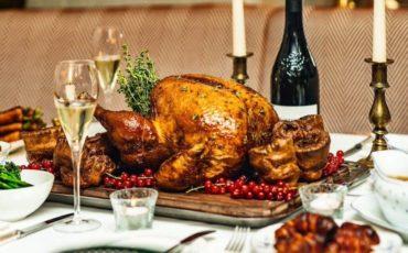 Συνταγή για γαλοπούλα με γέμιση για το τραπέζι της Πρωτοχρονιάς