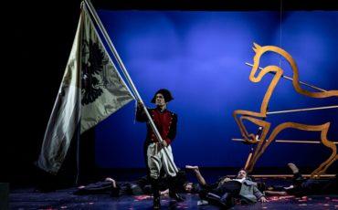 Πόλεμος και Ειρήνη στο Δημοτικό Θέατρο Πειραιά