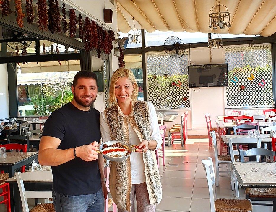 Ο Μιχάλης Γιουμουρτάς και η Μαρκέλλα Σαράιχα στις Πολίτικες Γεύσεις Χαλανδρίόυ