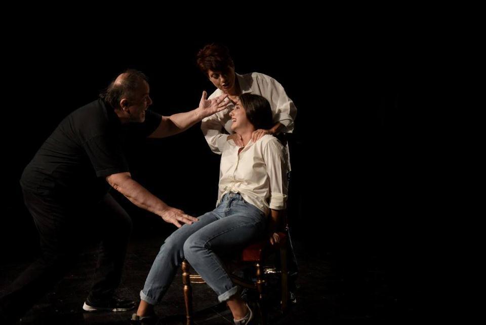 Ο Βασιλιάς Πεθαίνει στο θέατρο Αλκμήνη