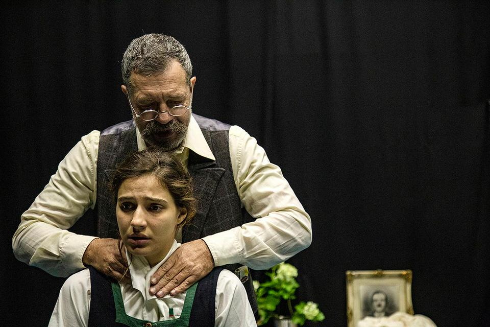 Tο Βρακί του Καρλ Στέρινχάϊμ σε σκηνοθεσία Μαριλίτας Λαμπροπούλου στο Θέατρο SKROW