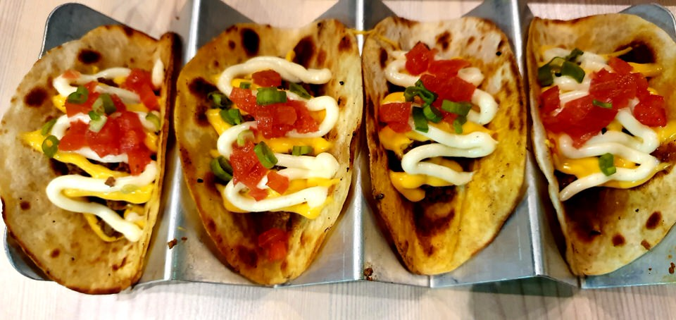 Τα φημισμένα Tacos στο Benjamin Burger House