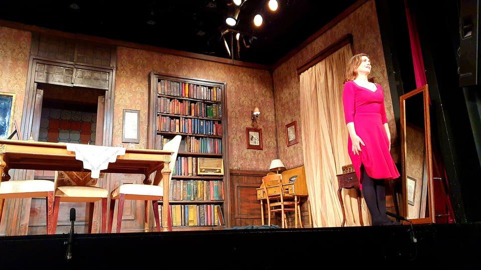 Η Πόρνη από Πάνω: Το travelgirl.gr γράφει κριτική για την παράσταση