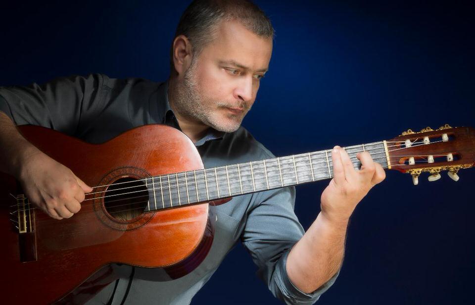 Ο κλασικός κιθαρίστας Παναγιώτης Μάργαρης στην πρώτη θέση των επίσημων πωλήσεων δίσκων της Ελλάδας