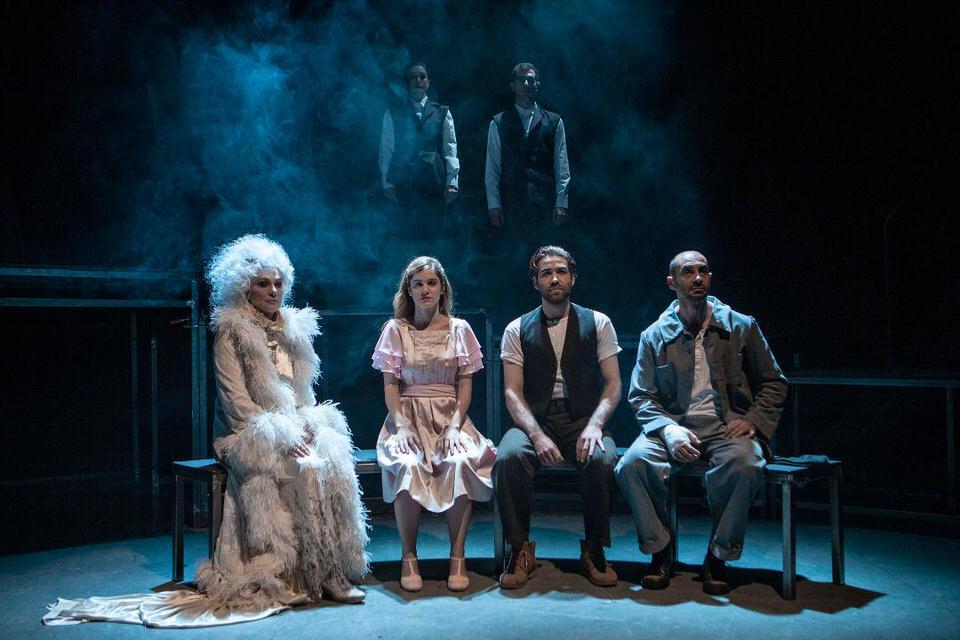 Μεγάλες Προσδοκίες του Κάρολου Ντίκενς στο Σύγχρονο Θέατρο για πρώτη φορά στην Ελλάδα