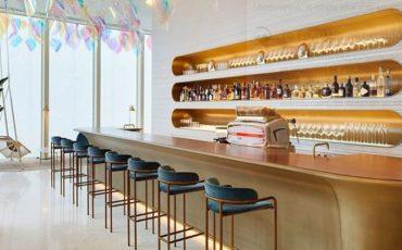 Η Louis Vuitton πρωτοπορεί: Ο γαλλικός οίκος μόδας άνοιξε καφέ-εστιατόριο στην Ιαπωνία
