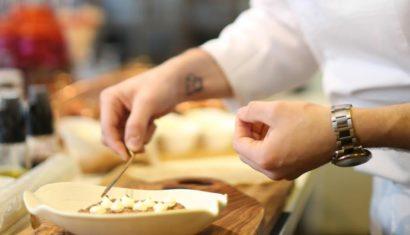 Γιώργος Λαΐδης: Ο αγαπημένος σεφ μας δίνει την συνταγή για μανιτάρια Saute' με ζεστό chapati