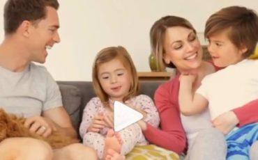 """Υπουργείο Υγείας: Το νέο spot με σύνθημα """"Tώρα ήρθε η ώρα να ντυθείς...έτσι"""" (video)"""