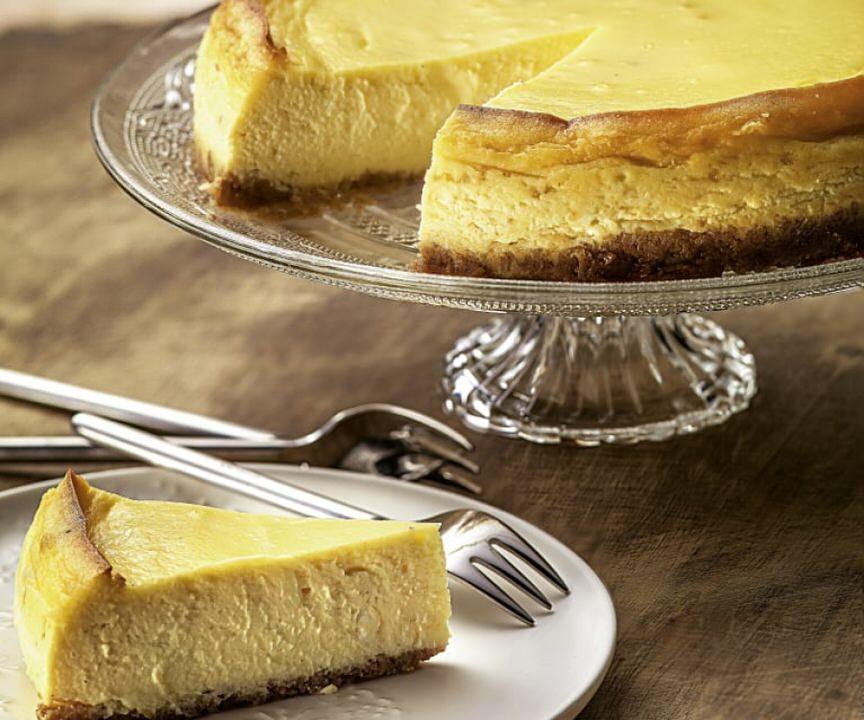 Ο σεφ Κυριάκος Μελάς μας δίνει την συνταγή για ψητό cheesecake!