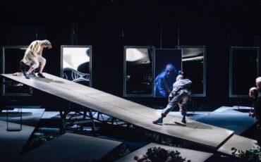 Δημοτικό Θέατρο Πειραιά: O Καλιγούλας του Αλμπέρ Καμύ με τον Γιάννη Στάνκογλου με ένα κλικ