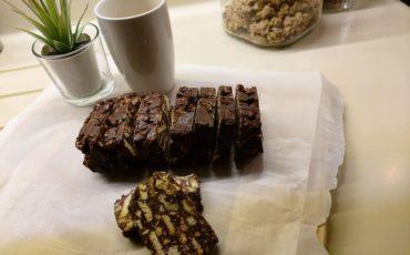 Η Στέλλα Γίδαρη μας δίνει την συνταγή για το πιο εύκολο και νόστιμο μωσαϊκό