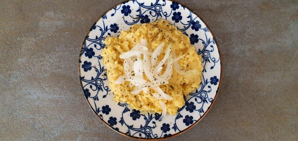 Συνταγή για την παραδοσιακή φάβα Σαντορίνης!