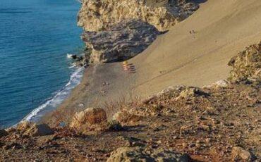 Άγιος Παύλος: Η μυστική παραλία της Ελλάδας με τους τεράστιους αμμόλοφους και τα τιρκουάζ νερά!