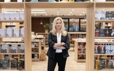 """Συνέντευξη με την Αλεξάνδρα Αυγερινού: """"Είμαστε ξανά κοντά στους αναγνώστες, με ανοιχτά βιβλιοπωλεία αλλά και με νέο εκδοτικό"""""""