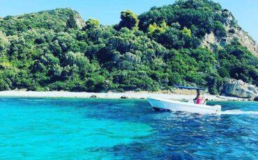 Μαραθονήσι: Ταξίδι στο νησί που αγαπούν οι χελώνες καρέτα-καρέτα