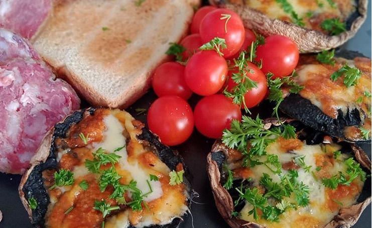 Συνταγή για μανιτάρια γεμιστά με τυρί για όλη την οικογένεια!
