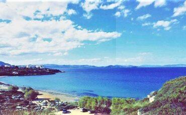 """Παραλία Μαρίκες: Η """"άγνωστη"""" παραλία της Αττικής που κρύβει έναν αρχαίο οικισμό! (video)"""