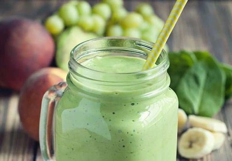 Συνταγή για δυναμωτικό smoothie αντί για πρωινό!