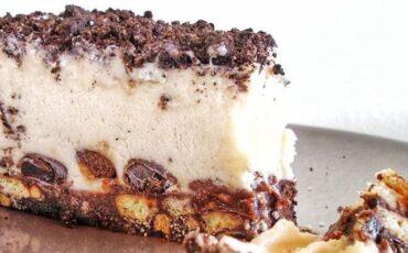 Συνταγή για την πιο εύκολη τούρτα παγωτού!