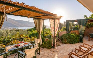 Liodentro-Olea: Αξέχαστη διαμονή σε τρεις παραδοσιακές κατοικίες μέσα στη φύση στον όρμο της Πλαταριάς