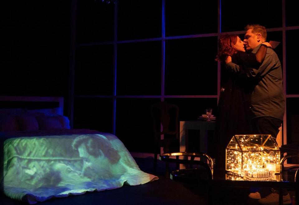 Σκηνές από έναν γάμο του Ingmar Bergman: Καλοκαιρινή περιοδεία με τον Αντώνη Λουδάρο και την Παυλίνα Χαρέλα