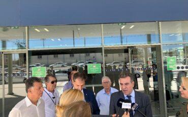 Δηλώσεις Χάρη Θεοχάρη και Μάνου Κόνσολα στο αεροδρόμιο της Κω