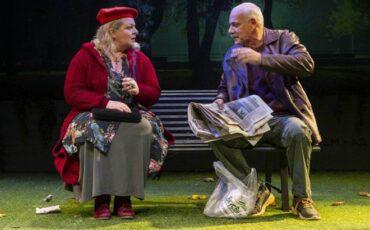 """""""Το Παγκάκι"""" του Αlexander Gelman με τους Γιώργο Κιμούλη και Φωτεινή Μπαξεβάνη σε καλοκαιρινή περιοδεία"""