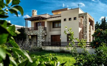 Villa Astravi: Όταν η παράδοση συναντά την πολυτέλεια στην πιο ωραία βίλα της Ρόδου