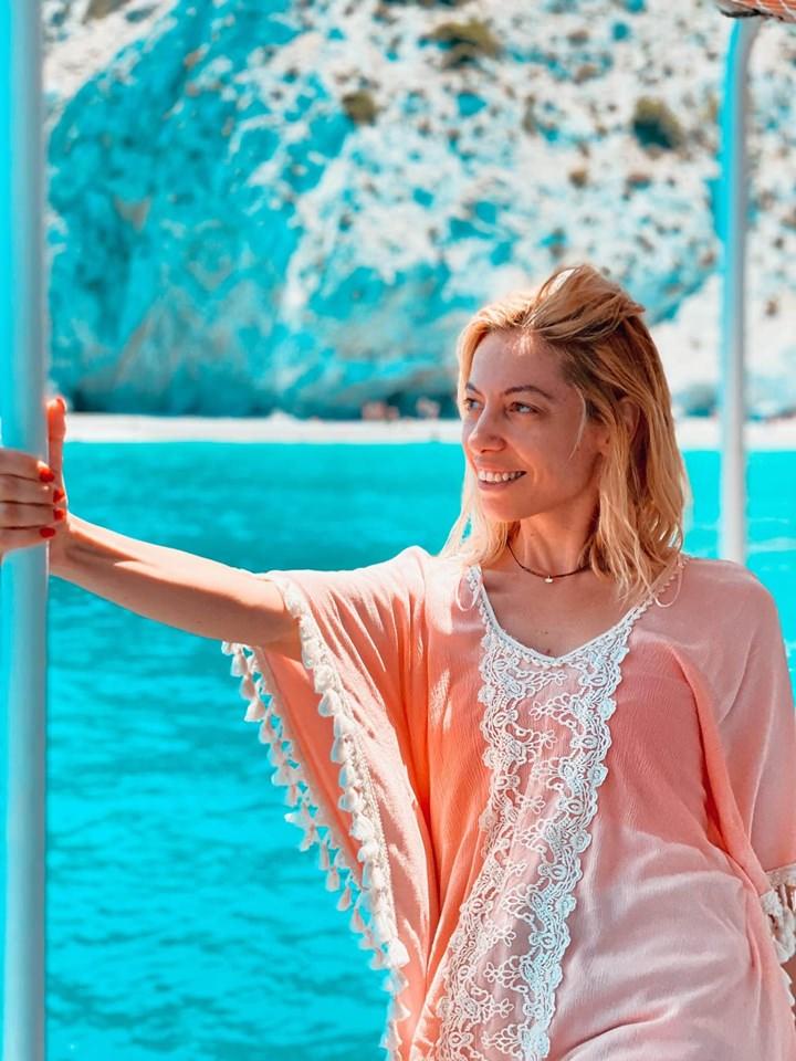 """Ταξίδι στην Σκιάθο: Το travelgirl.gr σε ξεναγεί στην ξακουστή παραλία """"Λαλάρια"""""""