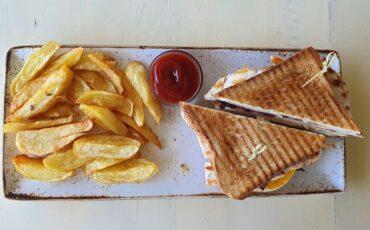 Συνταγή για το πιο ωραίο κλαμπ σάντουιτς!
