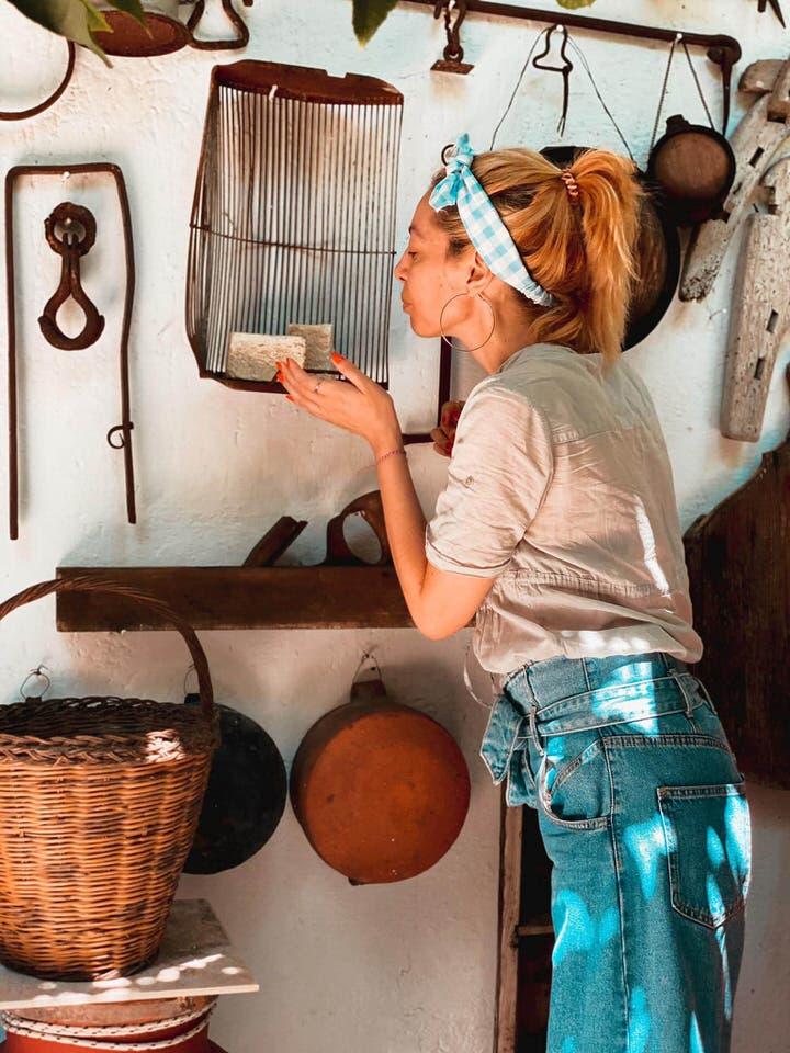 Ταξίδι στην Σκιάθο: Το travelgirl.gr μπήκε στο σκιαθίτικο σπίτι και σας ξεναγεί!