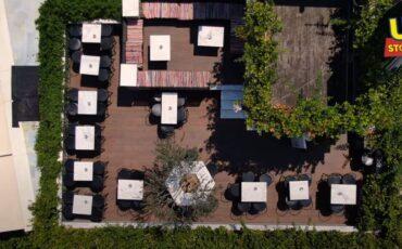 Αθήνα-Μοναστηράκι: Οι ταράτσες στέκια της πόλης με την μαγευτική θέα στην Ακρόπολη από ψηλά (video)