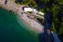 Αρβανιτιά: Η κρυστάλλινη παραλία μόλις 1,5 ώρα από την Αθήνα (video)