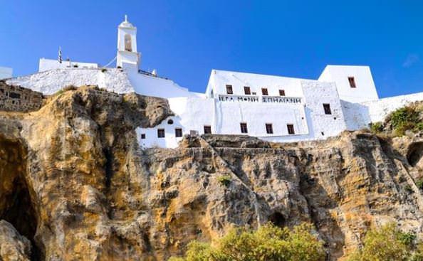 Υποχρεωτική η μάσκα μέσα και έξω από την Ιερά Μονή Παναγίας Σπηλιανής στη Νίσυρο-Η επιστολή του Δημάρχου