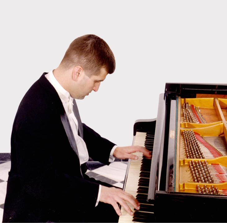 Ο Δημήτρης Σγούρος στο Μέγαρο Μουσικής Αθηνών