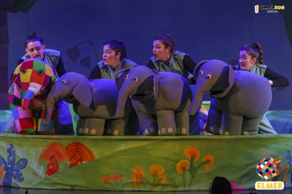 "H επίσημη θεατρική παράσταση του ""Έλμερ του Παρδαλού Ελέφαντα"" έρχεται στην Αθήνα"