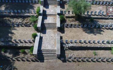 """""""Βουτήξτε"""" στην Πηγάδα του Μελιγαλά-Ένα από τα μελανότερα μνημεία της Νεοελληνικής Ιστορίας (video)"""
