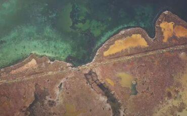 Ταξίδι στη λίμνη Μουστού: Το νερό της έχει θεραπευτικές ιδιότητες (video)