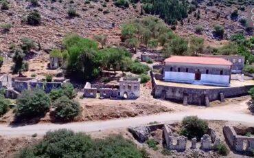 """Πλαγιά: Ταξίδι στο χωριό """"φάντασμα"""" στην Αιτωλοακαρνανία (video)"""