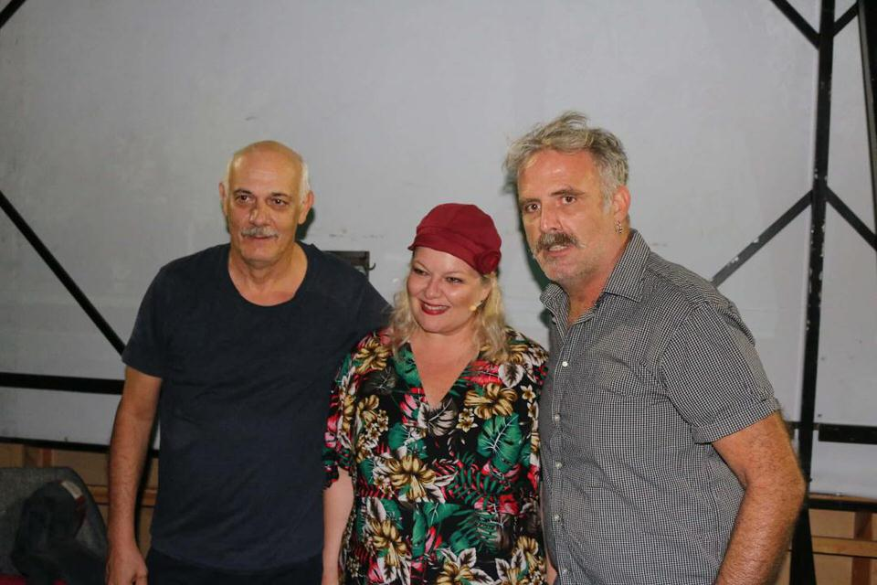 Φωτογραφικό υλικό από την πρεμιέρα του Γιώργου Κιμούλη με την Φωτεινή Μπαξεβάνη για το Παγκάκι