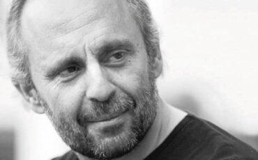 Ιανός: Ο Σωτήρης Χατζάκης διδάσκει στο σεμινάριο Δημιουργικής Γραφής «Συγγραφή θεατρικού έργου»