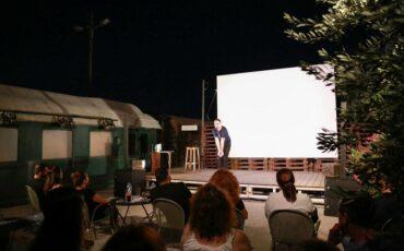 Σεπτέμβριος με live & stand-up comedy στην Αποβάθρα του Τρένου στο Ρουφ