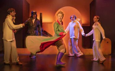 «Ο μικρός πρίγκιπας» του Αντουάν ντε Σαιντ-Εξυπερύ στο θέατρο Μικρό Χορν: Νέες φωτογραφίες