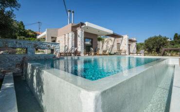 Η Villa Ariadni από τις AA Luxury Villas στα Χανιά