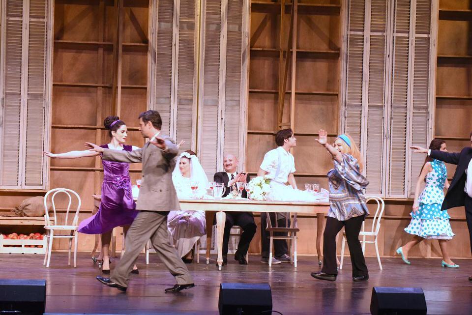 «Φεγγάρι από χαρτί» των Μιχάλη Ρέππα -Θανάση Παπαθανασίου στο Θέατρο REX Σκηνή Μαρίκα Κοτοπούλη