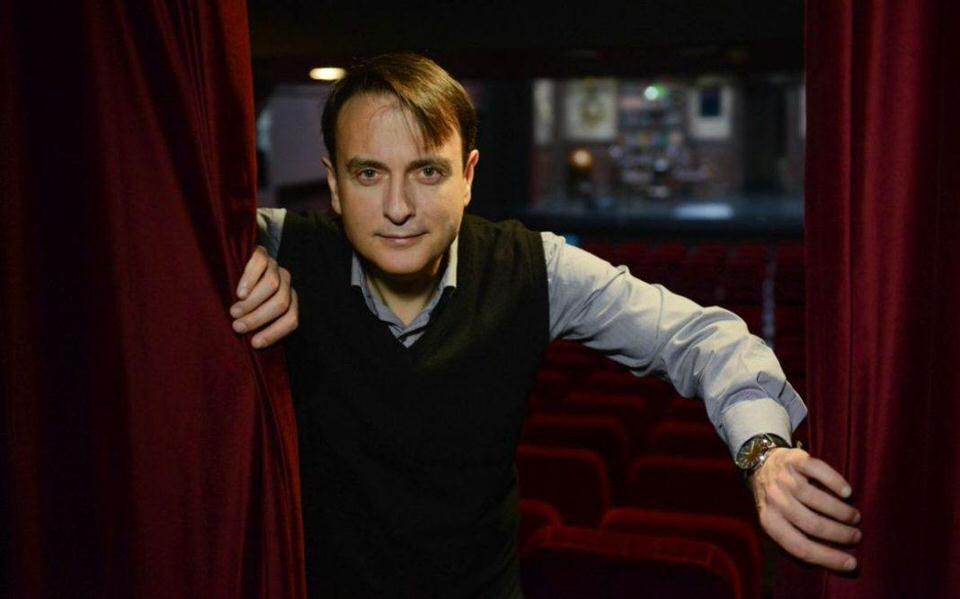 Τα Ραδίκια Ανάποδα: Από τις 13 Οκτωβρίου στο Alhambra Art Theatre